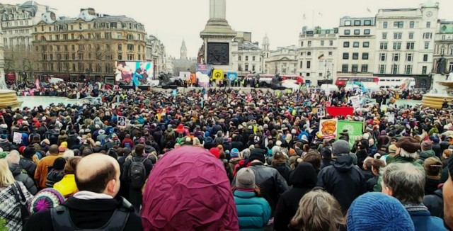 London holds larggest anti nuclear protes