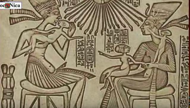 Akenaton y Nefertiti