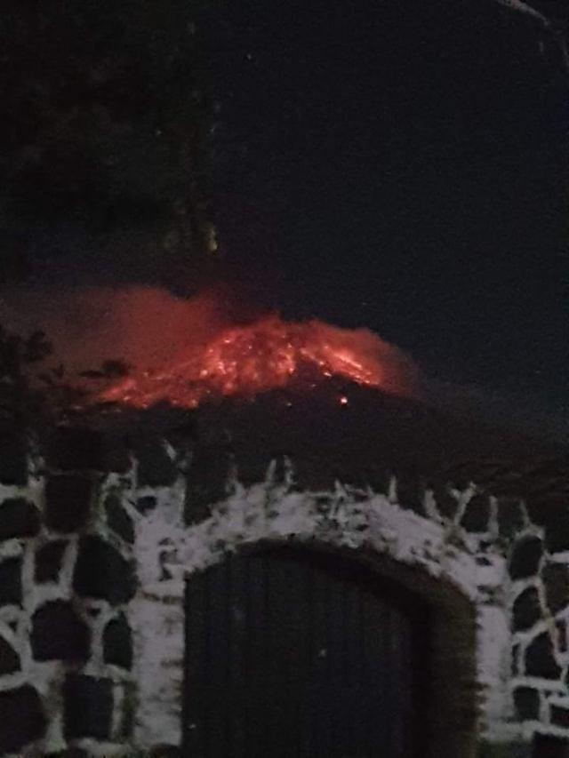 Volcan Popocatepel entrea en erupcion